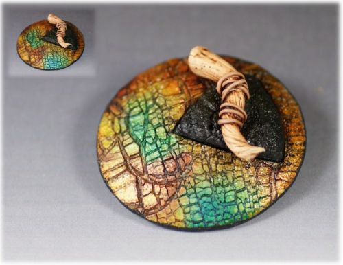broche triangle raku