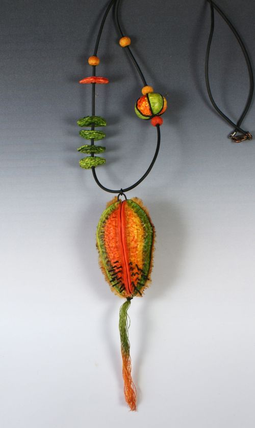 collier graine orange